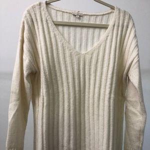 Cozy, classic ivory Gap sweater